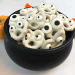 Halloween White Chocolate Pretzel Screams